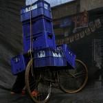 Beladenes Fahrrad mit Kisten