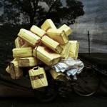 Beladenes Fahrrad mit Kanister