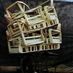 Beladenes Fahrrad mit Holz