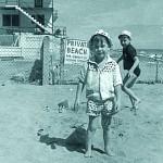 Kindheit in Miami. Dort lebte Steiman bis 1961/62. Im Bild: als glückliches Kind am Strand von Florida. / © privat