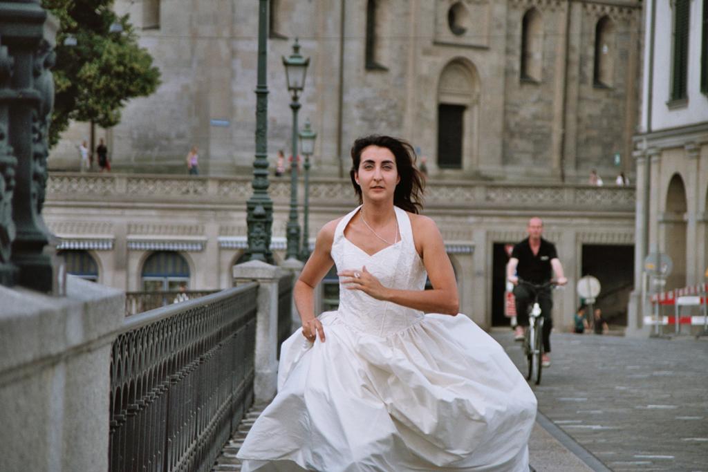 """Gabrielle rennt - auf der Suche nach dem """"koscheren Mann"""". / © Gabrielle Antosiewicz, Matchmaker"""