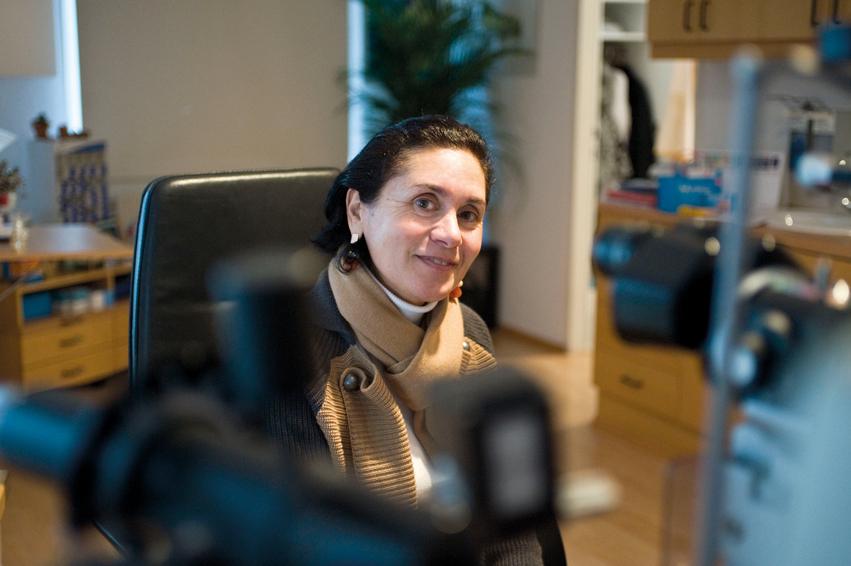 Nach vielen Stationen in ihrem Leben ließ sich die Augenärztin Katharina Zhviti in Wien nieder und führt hier ein offenes Haus/ © Jacqueline Godany