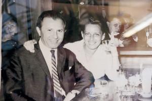 Susan Sloczower bleibt der Tradition ihres charismatisch-charmanten Vaters und Firmengründers Ferdinand Mandel bis heute treu.