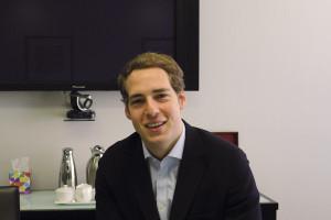 Büro in Mayfair. Tommy Kulcsar, 25, unterstützt internationale Unternehmen bei deren wirtschaftlicher Entwicklung, und dies auf lange Zeiträume hin.