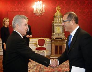 Ein gutes Verhältnis: Bundespräsident Heinz Fischer begrüßt den neuen israelischen Botschafter.