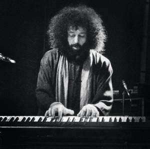Die Melodika war Elias Meiris erstes Instrument, im Alter von vier Jahren kam dann das Klavier hinzu.