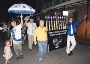 """Madi Gras. L. J. Goldstein hat 1996 eine eigene jüdische Krewe gegründet. Mittlerweile  ist """"Krewe du Jieux"""" fixer Bestandteil des mehrwöchigen Karnevals."""