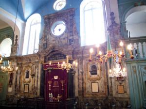 Inmitten der Provence. Frankreichs älteste Synagoge in Carpentras, eine Rokoko-Juwel auf Fundamenten aus dem Mittelalter.