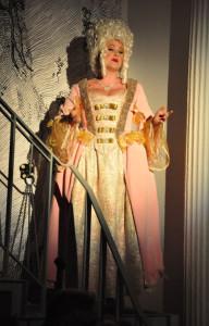 Oper burlesque. Mit ihrer eigene Kompanie L'Opera Burlesque ist Greenstein heute auf dem Erfolgskurs.