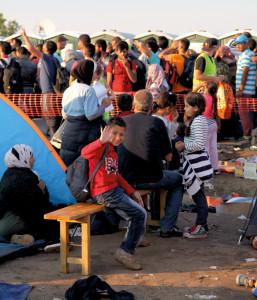 Es sind vor allem Kinder. Über die Hälfte der Menschen auf der Flucht sind unter 17 Jahre alt.