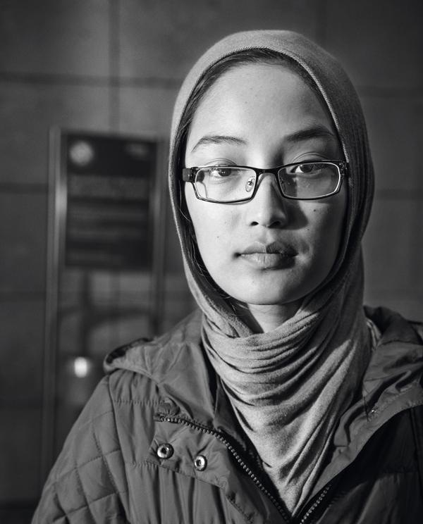 fatemeh ist 13 Sie ist auf der  Flucht aus Afghanistan  Oktober 2015  Westbahnhof, Wien