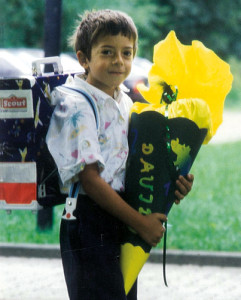David wuchs als einziger jüdischer Bub in Büßlingen an der deutsch-schweizerischen-Grenze auf und traf andere jüdische Kinder meist nur in Sommer- und Wintercamps.