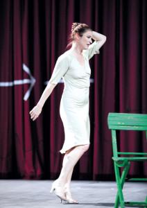 Dörte Lyssewski in Die schönen Tage von Aranjuez bei den Wiener Festwochen 2012 in der Regie von Luc Bondy.