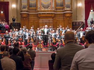 Iván Fischer dirigiert das Royal Concertgebouw Orchestra